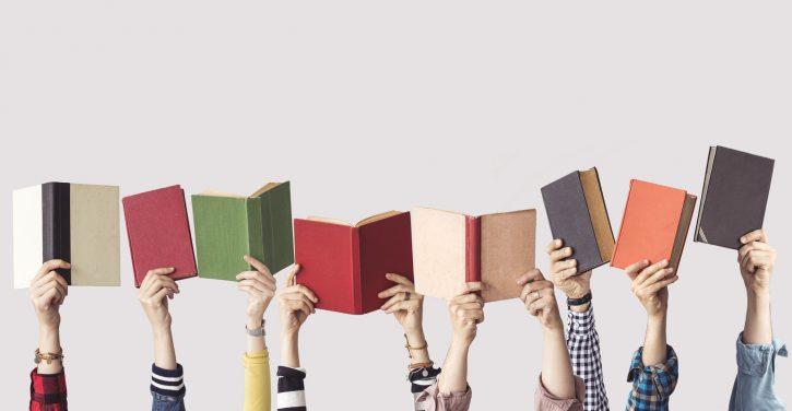Descubre por qué el libro tradicional está más de moda que nunca